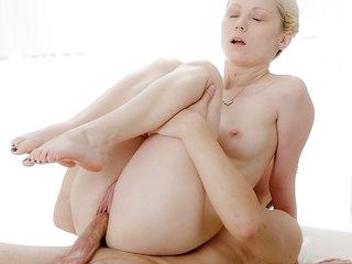 Skinny blonde enjoys cig cock in hot massage porn clip